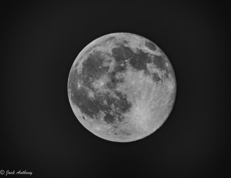 Moon_8827_HDR.jpg
