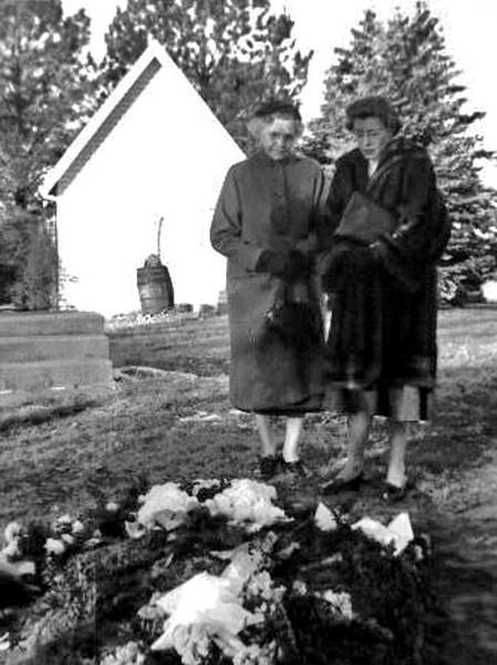 Hanna Nelson and Ruby Burchard Ciullo.jpg