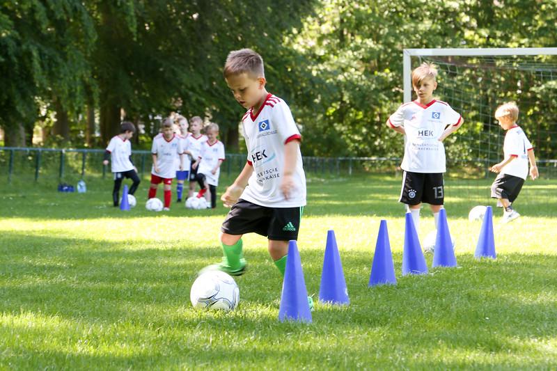 hsv_fussballschule-112_48048030152_o.jpg