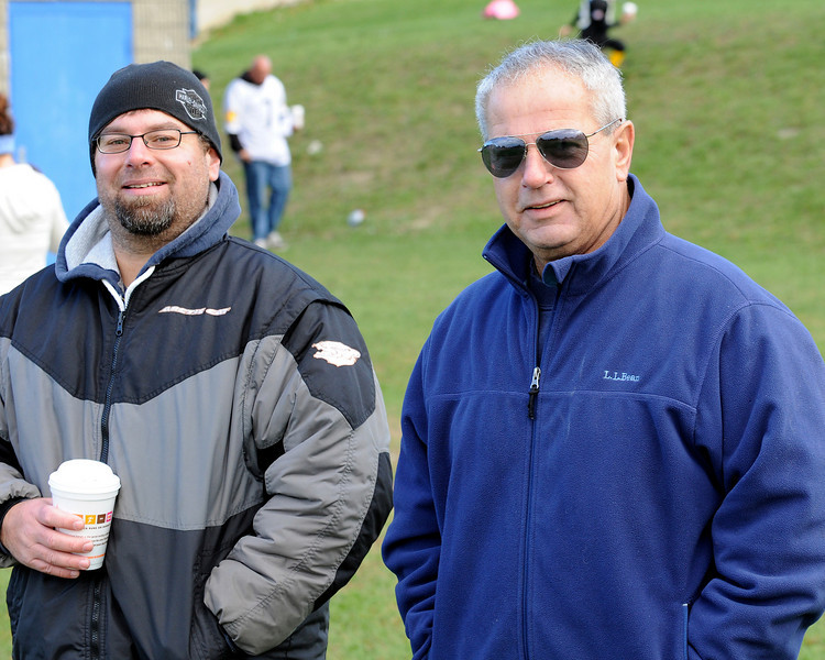 Senior Giants vs Senior Steelers playoff football game on October 10, 2010