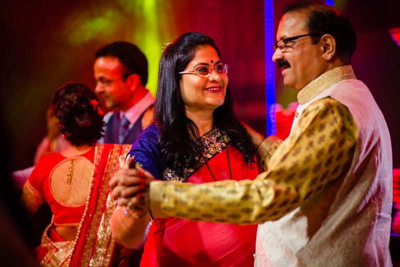 Candid Wedding Photographer Ahmedabad-1-96.jpg