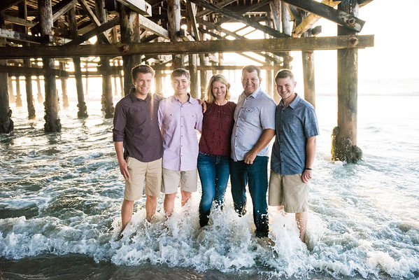 Pacific Beach San Diego Pier 92109 Family Portraits