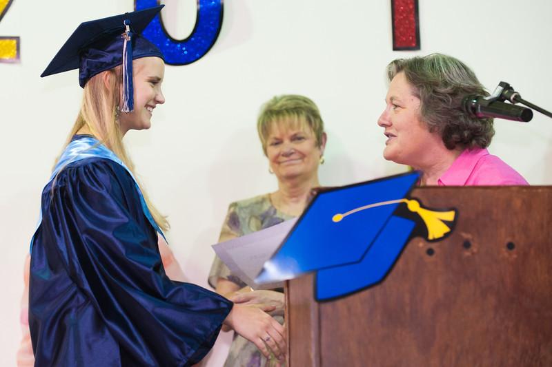Taryn_Graduation-6413.jpg