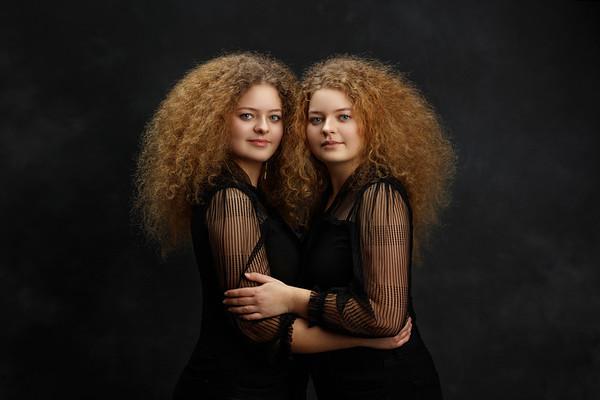 Lena and Vika Twins Session