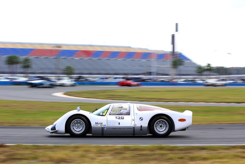 Classic24-2014_4014 Porsche906.jpg