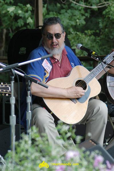 Phila Folk Fest- Sat 8-27 011 Guitar Styles Wkshp.JPG