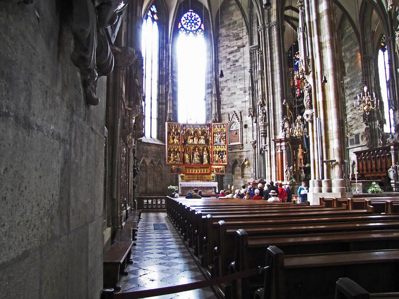 21-Left aisle and Wiener Neustädter Altar