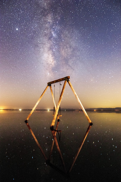 ✨ Sparkling Stars Shine on the Smooth Still Shiny Salton Sea Surface at Ssippi's Swing on A Saturday 🌌