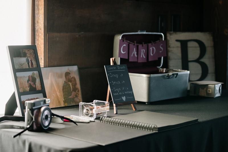rustic_ohio__fall_barn_wedding-150.jpg