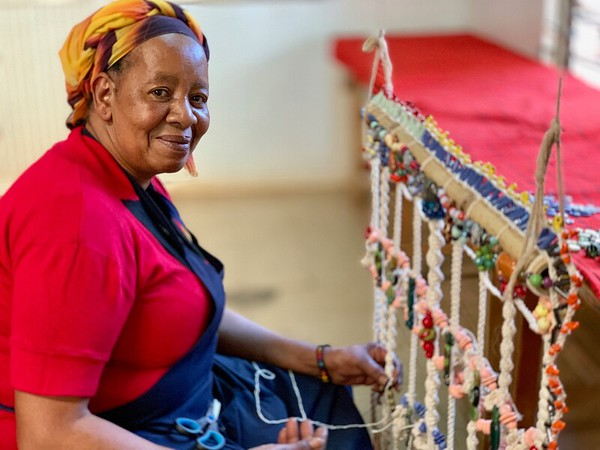Nairobi: Women, Art, Giraffe Park, Sheldrick Trust