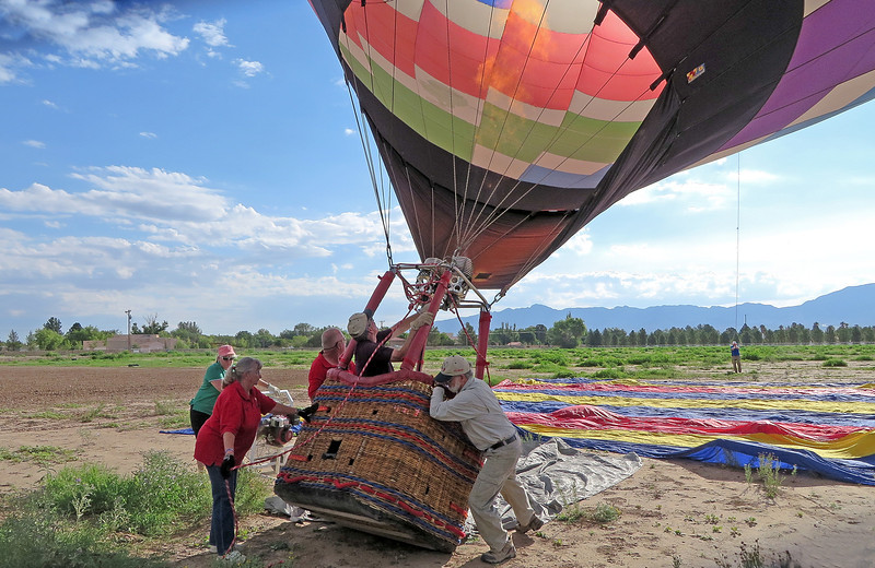 IMG_2150 raising balloon with hot air from burners.jpg