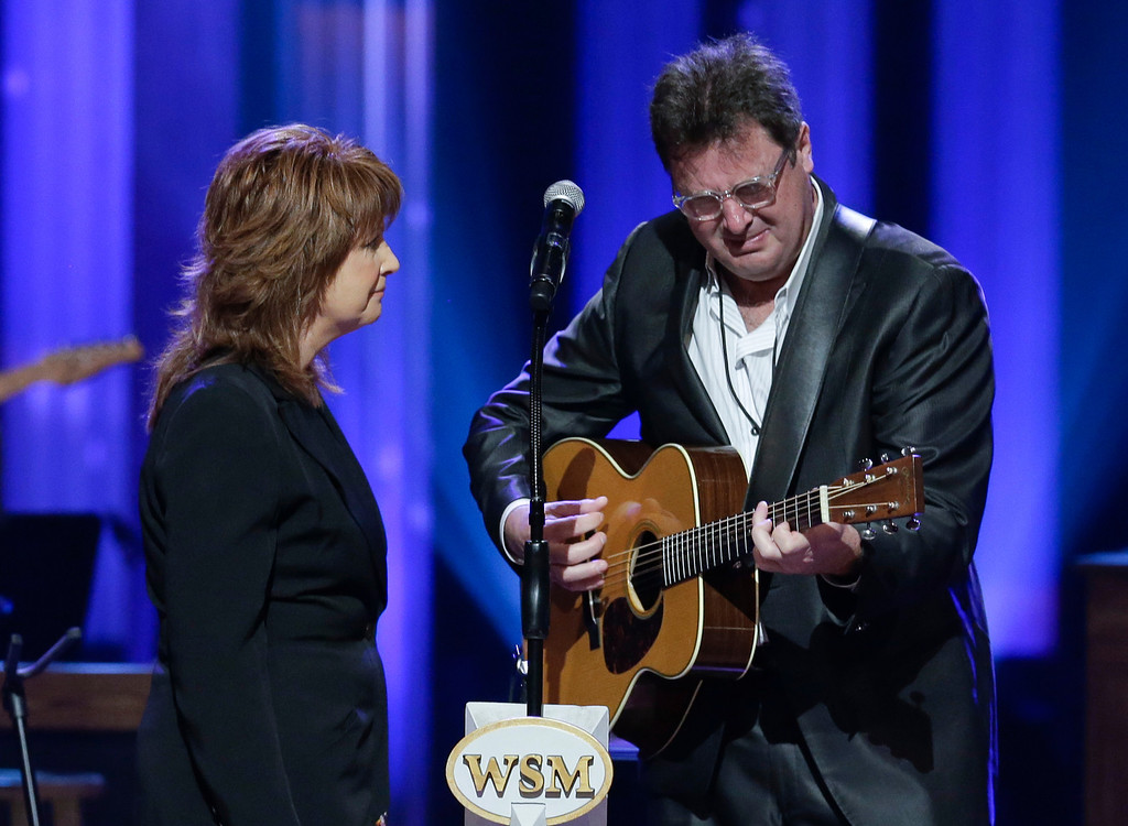 . Vince Gill cries as he performs with Patty Loveless during the funeral for country music star George Jones in the Grand Ole Opry House on Thursday, May 2, 2013, in Nashville, Tenn.  (AP Photo/Mark Humphrey, Pool)