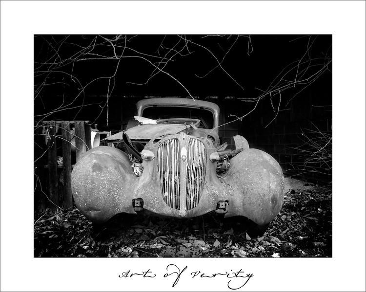 Rusty old car 1.jpg