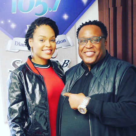 Smooth R&B 105.7 - November 20, 2017