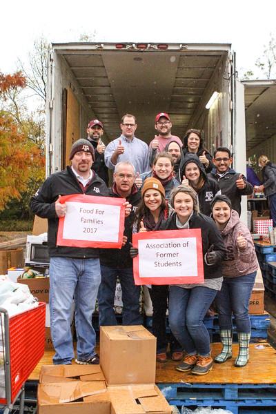 2017 Association Food Drive Volunteering