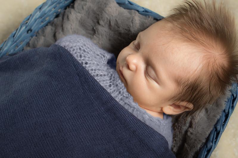 James newborn session-2.jpg