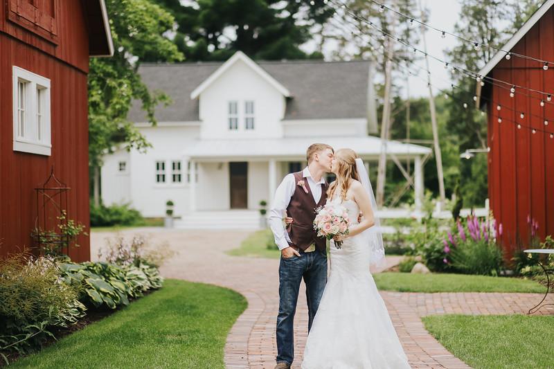 Krotz Wedding-107.jpg