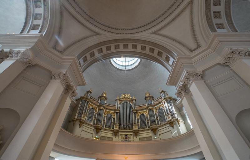helsinki cathedral (8 of 10).jpg