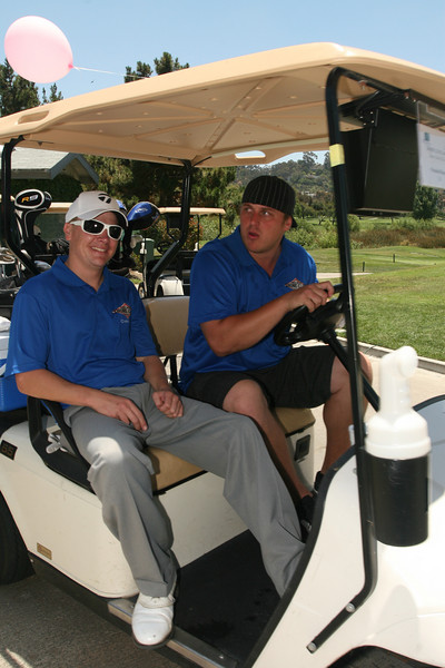 """People having fun at ISVodka sponsored Shore Golf Club picture gallery free download of image for personal use with photo credit of """"John Cocozza courtesy of www.ISVodka.com"""""""