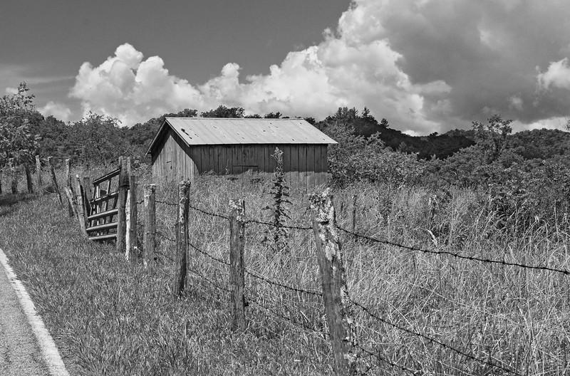 Old Barn Rossman NC BW.jpg