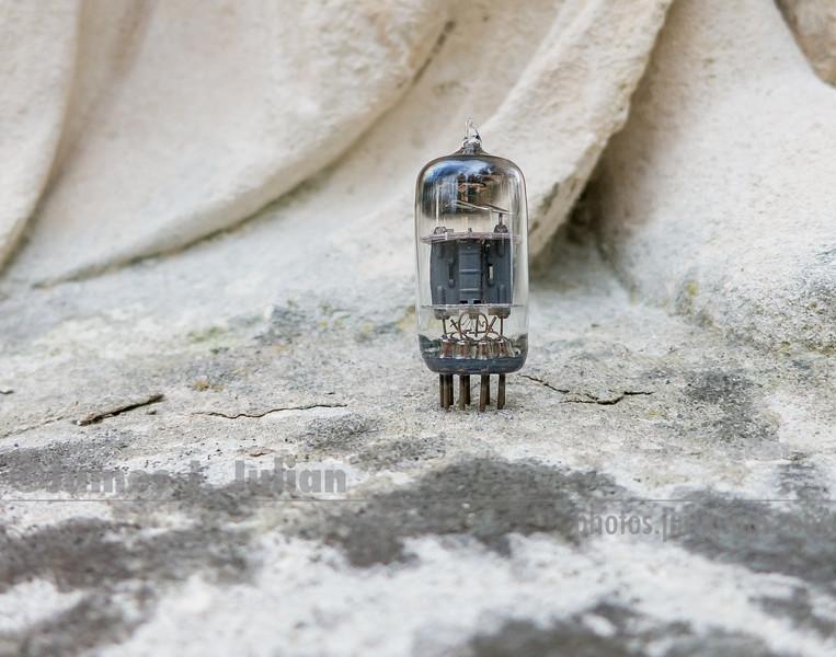 Vacuum Tube Lost in the Park 2