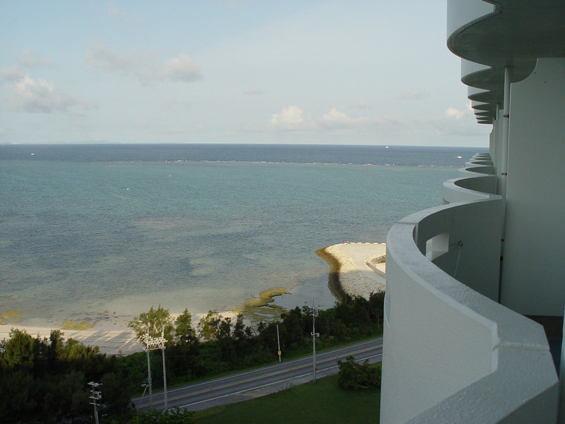 Right side balcony. Not bad. If I ever get to come here again I'll pano this view.