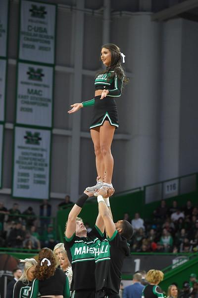 cheerleaders3830.jpg