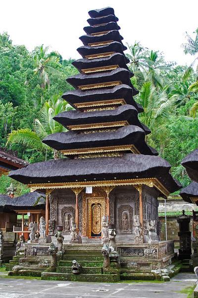 Besakih Temple 5.jpg
