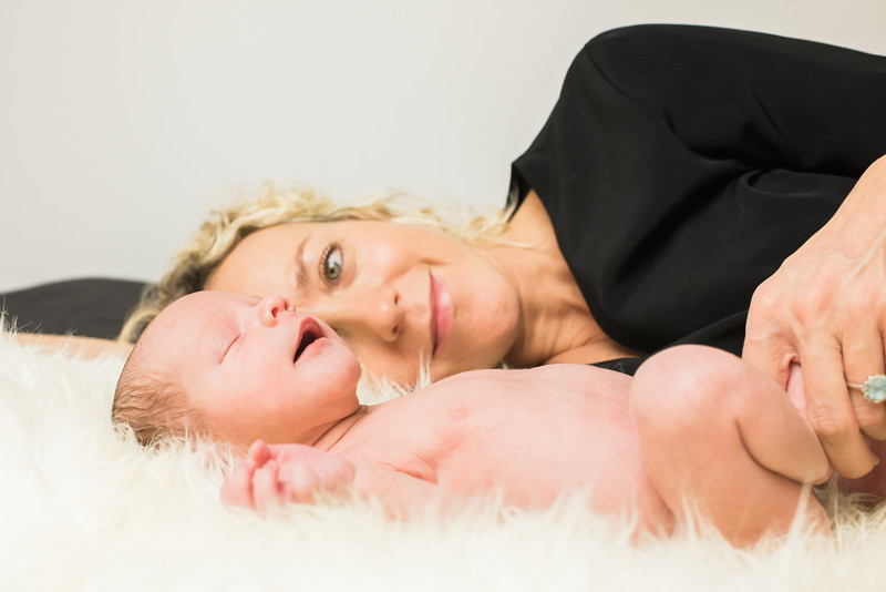 Newborn-Louise (123 van 142).jpg