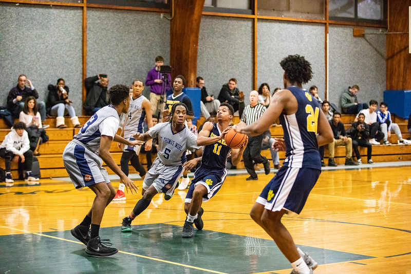 18_BBball_st-thomas.jpg