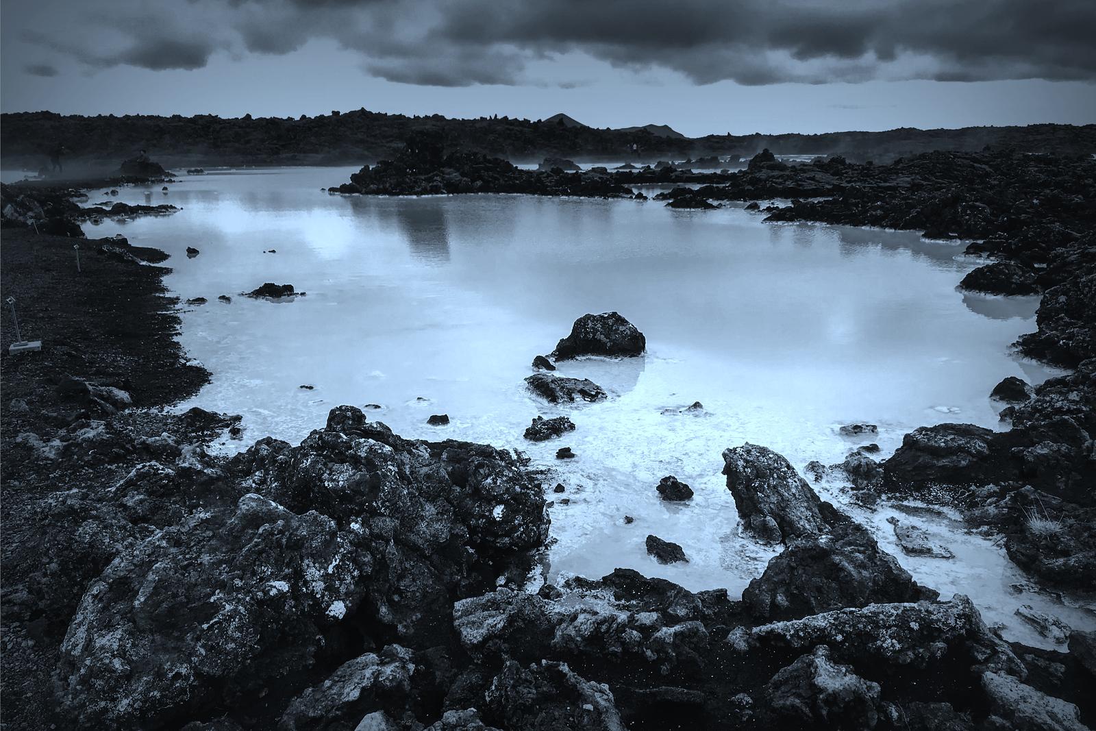 冰島blue lagoon,火山旁的溫泉浴