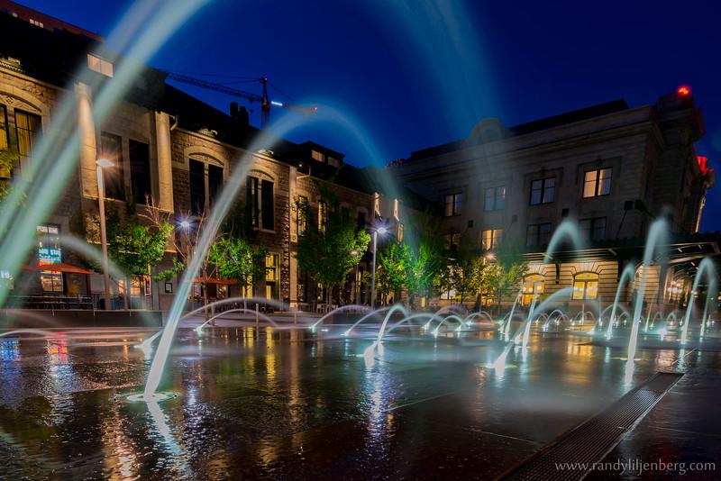 Wynkoop Plaza fountaain next to Denver's Union Station