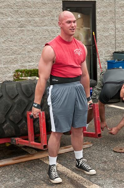 Fitness Revolution Strongman Challenge 2011_ERF3939.jpg