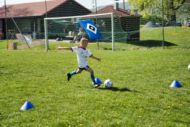hsv-fussballschule---wochendendcamp-hannm-am-22-und-23042019-w-60_40764456823_o.jpg