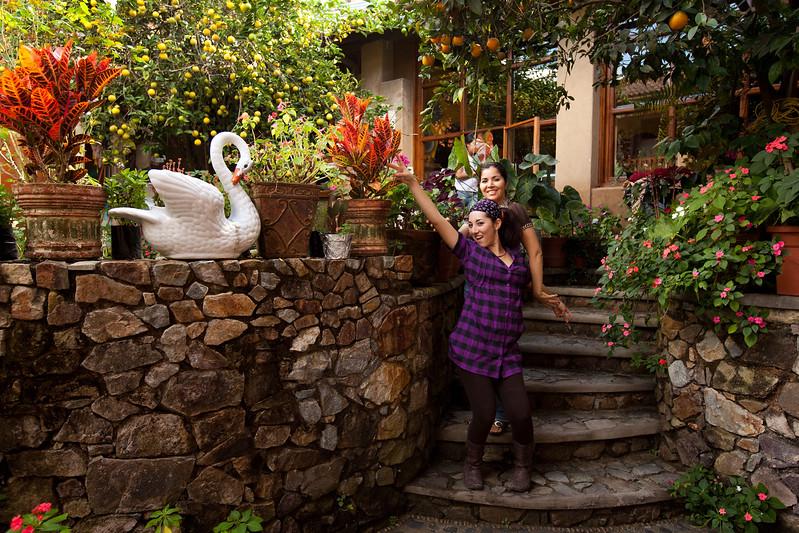 Monse and Susana 12-12-2009