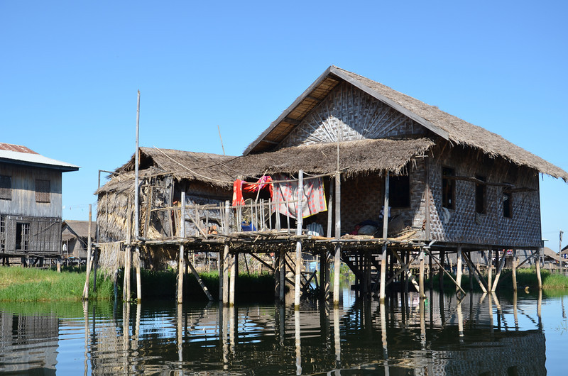 DSC_4378-lake-stilt-home.JPG