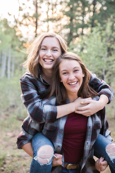 S E N I O R S | Class of 2019 Maddie and Izzy-6.jpg