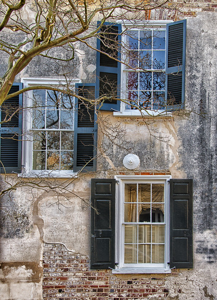 The first day we traveled to downtown Charleston to White Point Gardens, The Battery.  We were looking for things unique to the beautiful old town of Charleston.  This picture shows the old shutters, windows and building structure.