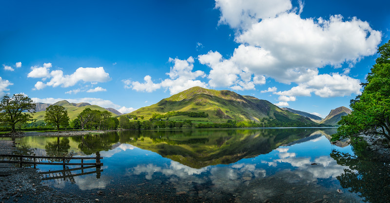 Buttermere Lake panorama.jpg