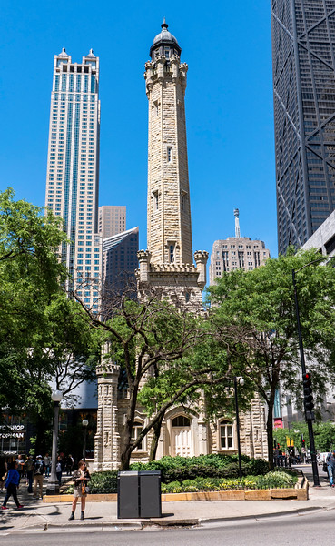 Chicago-MagnificentMile03.jpg