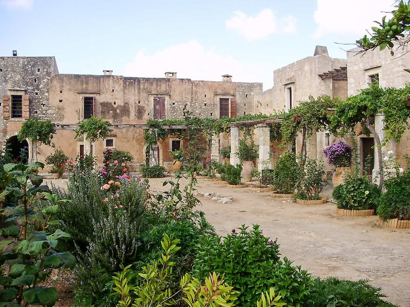 19-Binnenplaats-Arkadi-klooster.JPG