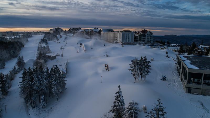 Snowmaking 1920-0050.jpg