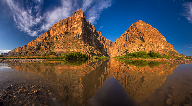 Santa_Elena_Canyon_Big_Bend_Texas_Panorama1.jpg