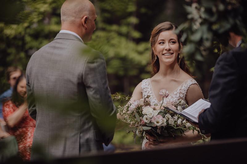 2018-05-12_ROEDER_JulieSeth_Wedding_ROEDER2_0021.jpg