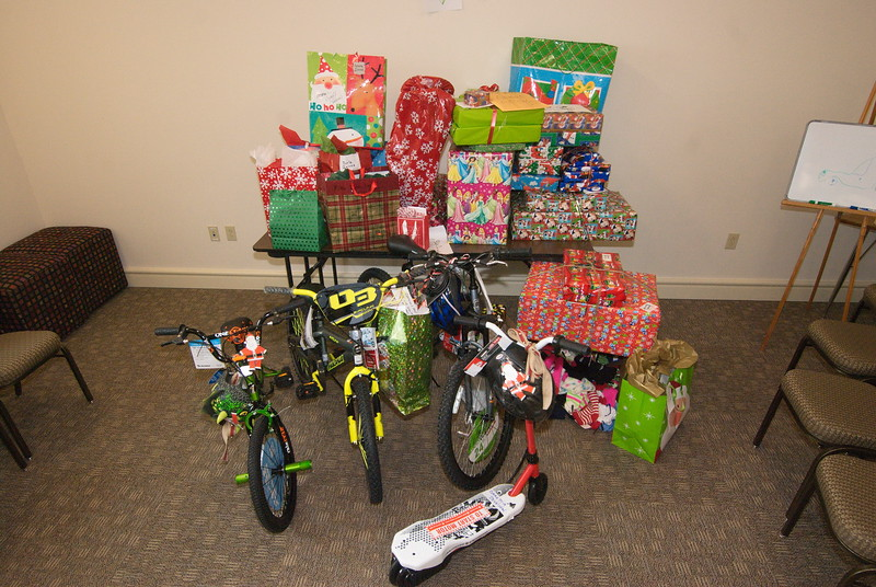 2014-12-15-FOCUS-MHY-Christmas-Gifts_ 002.jpg
