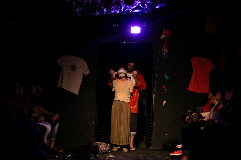 Allan Bravos - Fotografia de Teatro - Indac - Migraaaantes-361.jpg