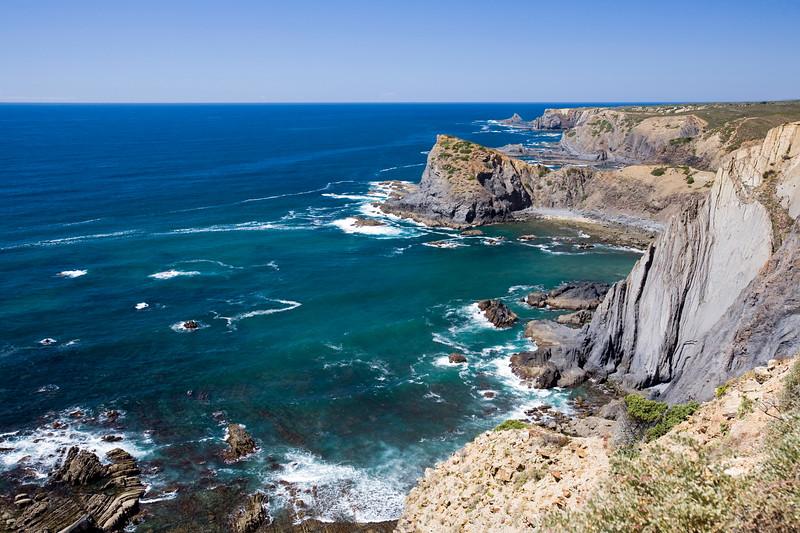 Cliffs by cabo Sao Vicente (Cape Saint Vincent), town of Sagres, municipality of Vila do Bispo, district of Faro, region of Algarve, southwestern Portugal
