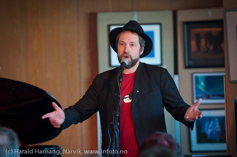 VU-2011, konsert Sjømannskirka: Ola Bremnes og Ensemble Blå fra Sortland. Svært mange måtte snu i døra. Det ble fort fullt.