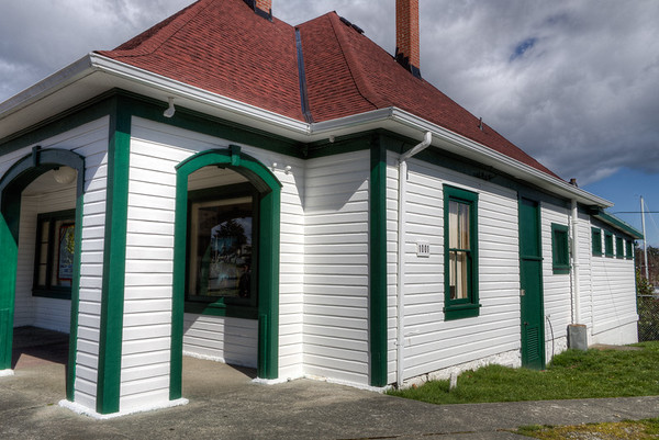 Former Work Point Barracks Guardhouse, Building 1001