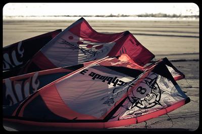 Kitesurfing at Muriwai
